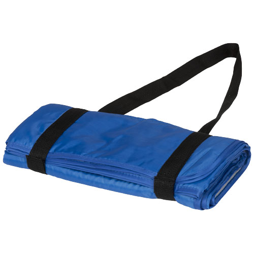A compact picnic plaid includes a fleece side and a water resistant side and is easy to roll and carry because of the shoulder straps. Size 145 x 122 cm. Polar fleece 140 g/m² Backside 190T. Polyester